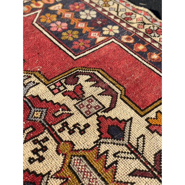 1950s Vintage Turkish Rug - 4′6″ × 9′ For Sale - Image 9 of 13