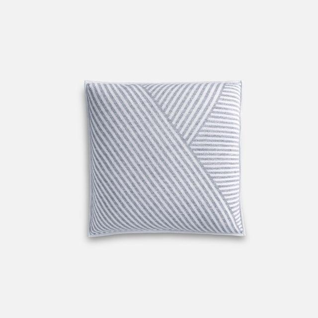 Fells Levata 100% Baby Alpaca Pillow - Image 3 of 3