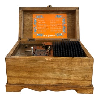 1950s Music Box With 12 Records For Sale