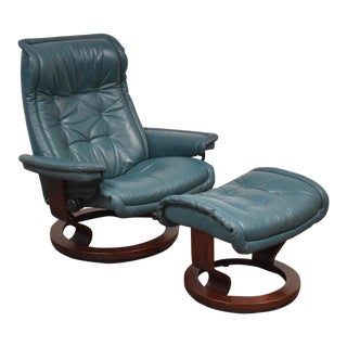 Modern Leather Stressless Ekornes Lounge Chair & Ottoman For Sale