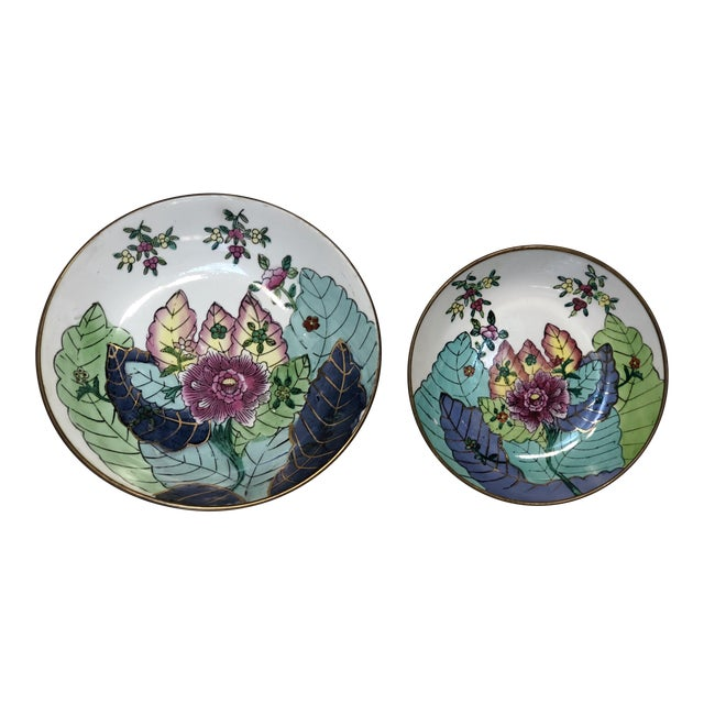 Chinoiserie Encased Tobacco Leaf Style Porcelain Bowls - a Pair For Sale