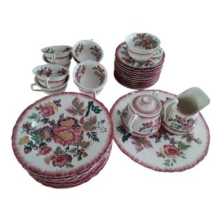 "Wedgwood Etruria England Earthenware ""Briar Rose"" Pattern Circa 1929 - 37 Pieces For Sale"