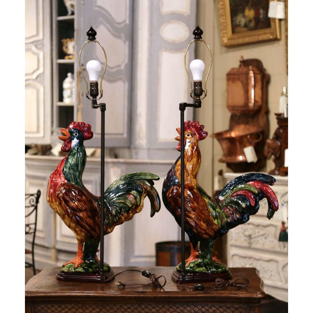 Pair of French Barbotine Ceramic Roosters Converted Into Table Lamps For Sale - Image 4 of 13
