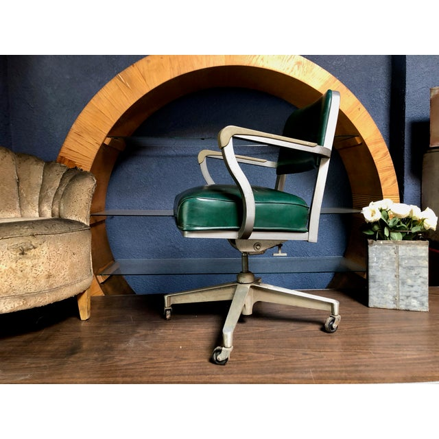 Steelcase 1950s Vintage Beefy Steelcase Banker Rolling Desk Chair For Sale - Image 4 of 11