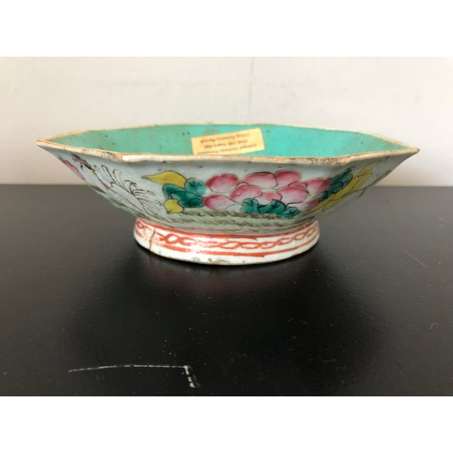 Antique Chinese Export Porcelain Bowls - a Pair - Image 2 of 11