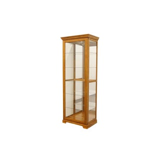 20th Century Traditional Pulaski Furniture Keepsakes Collection Golden Oak Curio/Display Cabinet For Sale