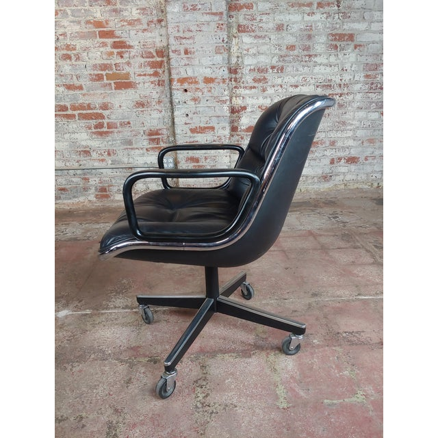 Charles Pollock 1960s Executive Chairs in Black Leather for Knoll - A Pair For Sale In Los Angeles - Image 6 of 10