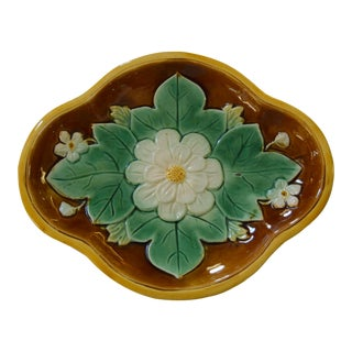 19th-Century Majolica Flower Oval Dish For Sale