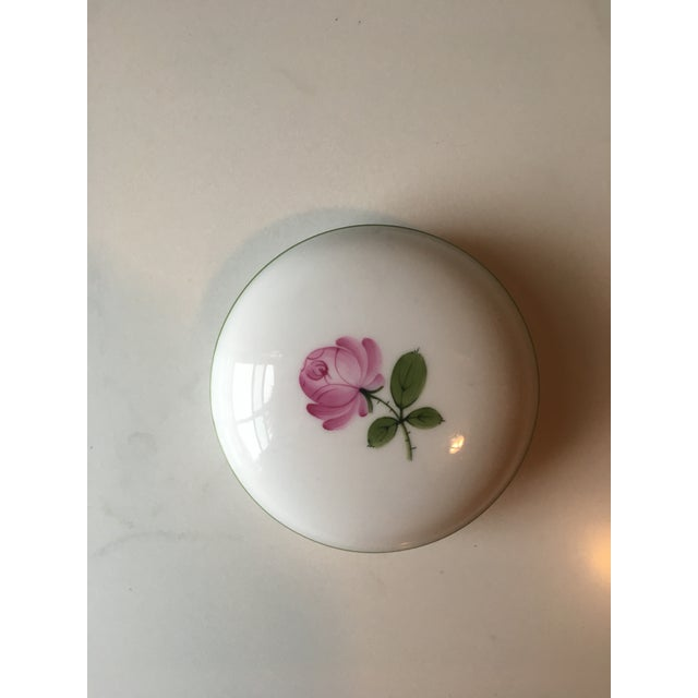 Wien Rose Motif Porcelain Jewelry Dish For Sale - Image 10 of 10