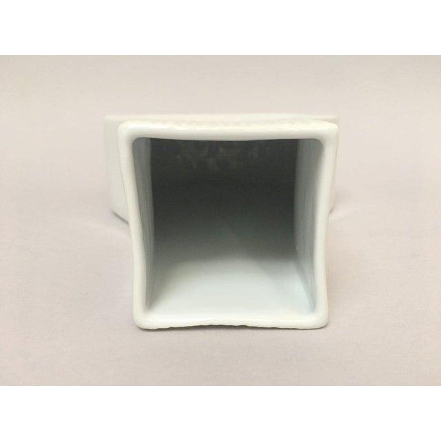White Modernist Bisque Porcelain Naaman Onion Vase For Sale - Image 5 of 11