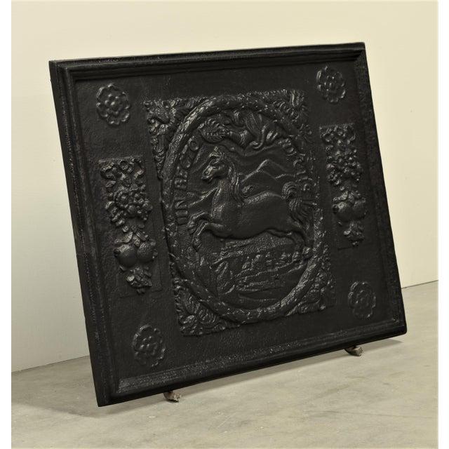 """Black Antique Fireback or Backsplash """"In Recto Decus"""" For Sale - Image 8 of 8"""