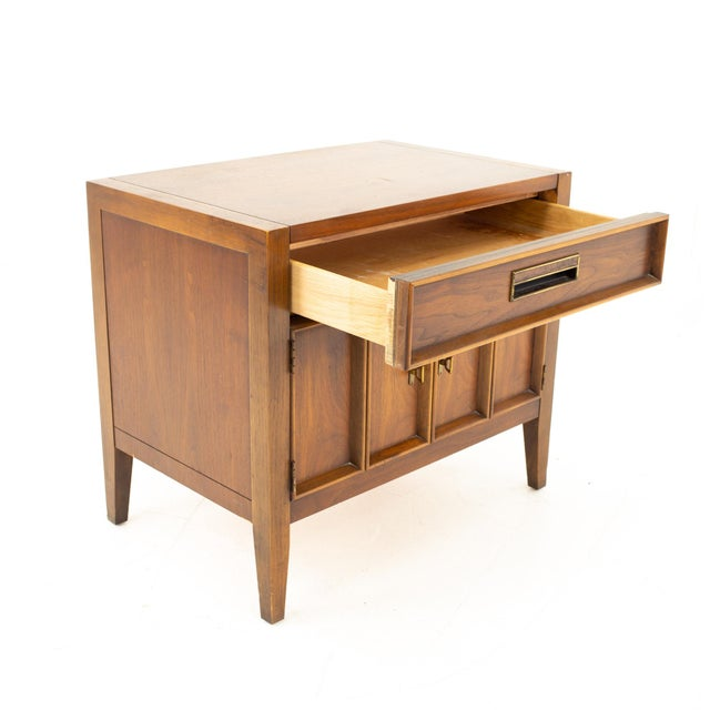 Drexel Drexel Mid Century Walnut Nightstand For Sale - Image 4 of 13