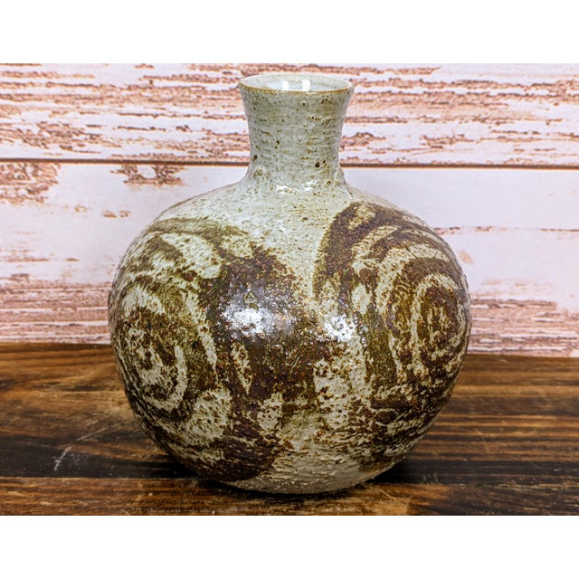 "Gorgeous hand turned vase by famous potter Japanese Mutsuo Yanagihara, signed on bottom. 8"" tall and about 6.5"" wide...."