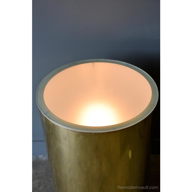 1980s 1980s Vintage Curtis Jere for Artisan House Illuminated Brass Pedestal Stand For Sale - Image 5 of 12