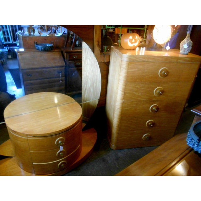 1930's Vintage Art Deco Vanity Table With Moon Mirror For Sale - Image 9 of 10