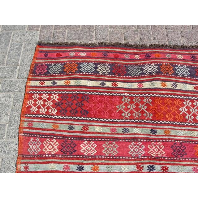 Vintage Turkish Kilim Rug - 4′11″ × 7′10″ For Sale - Image 4 of 11