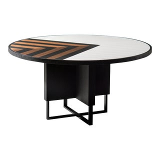 Modern 6 Seater Oak Round Circular Dining Table For Sale