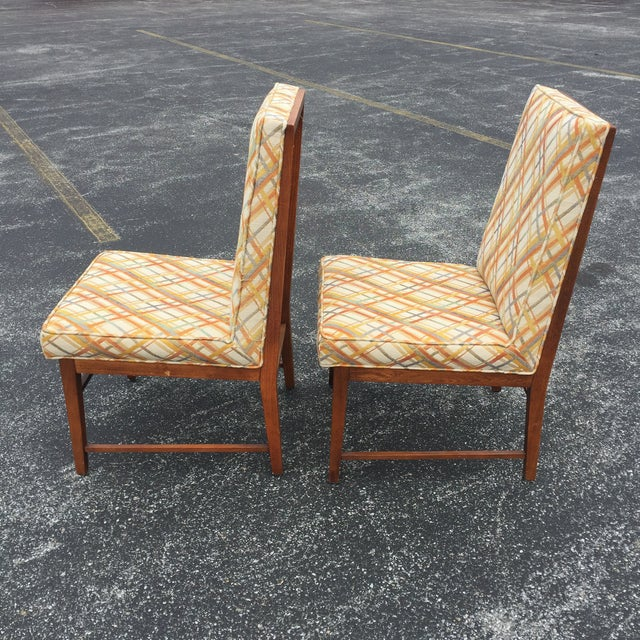 Thomasville Founders Parson Chairs - A Pair - Image 3 of 11