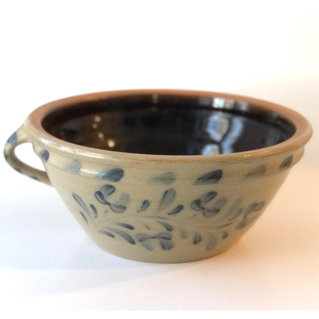 Farmhouse Style Salt Glazed Mixing Bowl With Handle - Vintage For Sale - Image 10 of 12