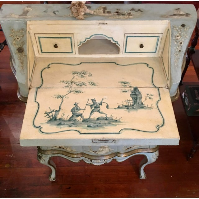 Chinoiserie 18th/19th Century Venetian Rococo Decoupage & Painted Chinoiserie Writing Desk For Sale - Image 3 of 13