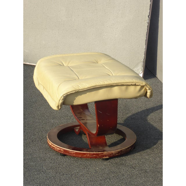 Vintage Mid Century Modern Yellow Cream Leather Ottoman For Sale - Image 4 of 10