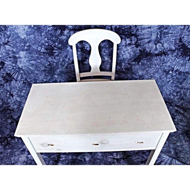 Whittier Furniture White Painted Children's Desk & Chair - Image 7 of 11