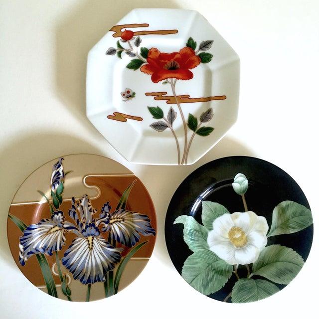 Fitz & Floyd Japan Vintage Contemporary Modernist Floral Porcelain Dessert Plates - Set of 3 For Sale - Image 11 of 11