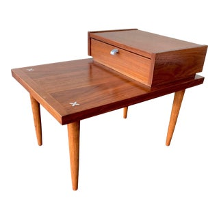Mid Century Modern End Table Merton L. Gershun for American of Martinsville For Sale