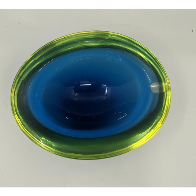 1960s 1960s Murano Glass Ashtray Bowl With Vaseline or Uranium Glass Glows by Sommerso For Sale - Image 5 of 5