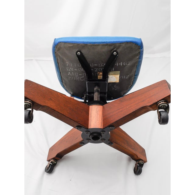 Mid-Century Gunlocke Office Chair For Sale - Image 5 of 11