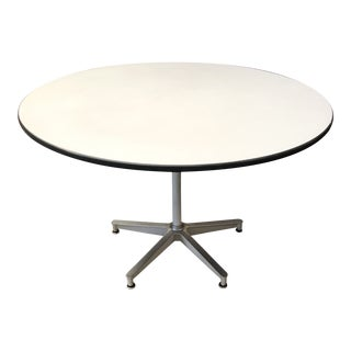 """1950s Charles Eames for Herman Miller 45"""" Round Dining Table For Sale"""