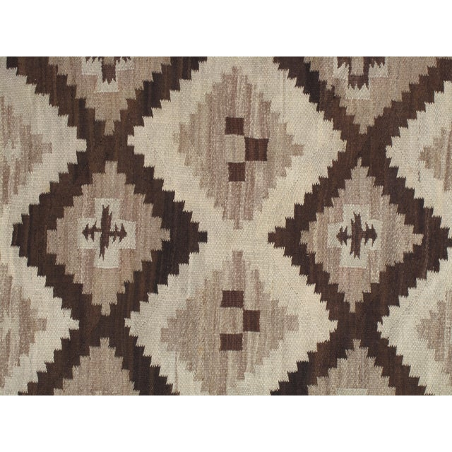 Early 20th Century Antique Navajo Handmade Wool Rug- 5′ × 6′4″ For Sale In New York - Image 6 of 9
