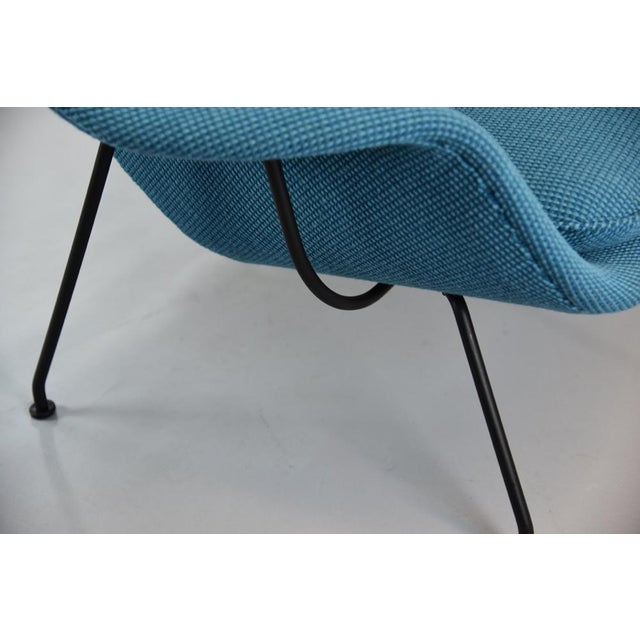 1960s Womb Chair and Ottoman in Cato Blue Knoll Fabric For Sale - Image 5 of 8