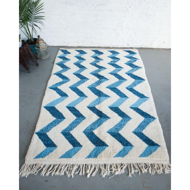 """Bluecination"" Ivory Handmade Contemporary Berber Rug With Blue Zigzag - 8'3"" X 5'9"" Ft For Sale In New York - Image 6 of 6"