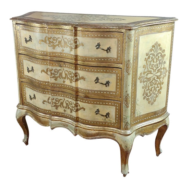 Beautiful Italian Florentine Gilt Chest of Drawers Commode For Sale