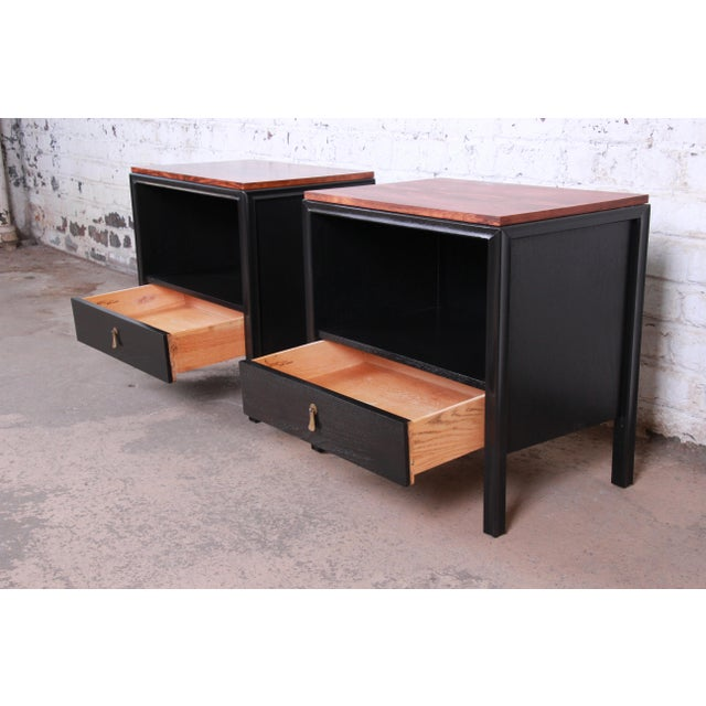 Brown John Stuart for Mount Airy Mid-Century Modern Rosewood and Ebonized Wood Nightstands, Pair For Sale - Image 8 of 13