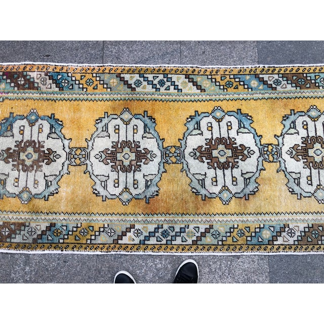 Light Yellow 1960s Vintage Distressed Oushak Runner Rug - 3′1″ × 9′6″ For Sale - Image 8 of 11