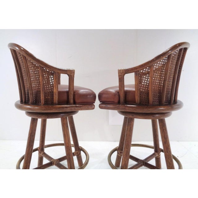 Mid 20th Century Vintage McGuire Organic Modern Bamboo & Leather Swivel Barstools ~ a Pair For Sale - Image 5 of 13