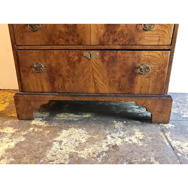 English Late 19th Century George II-Style Burl Walnut Chest Of Drawers For Sale - Image 3 of 11