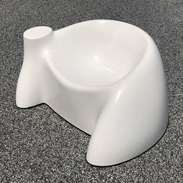 "Mid-Century Modern Wendell Castle White Fiberglass ""Castle Chair"" For Sale - Image 3 of 11"