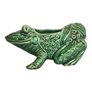 McCoy Pottery 1940s – 1960s Mid-Century Frog Flower Pot For Sale
