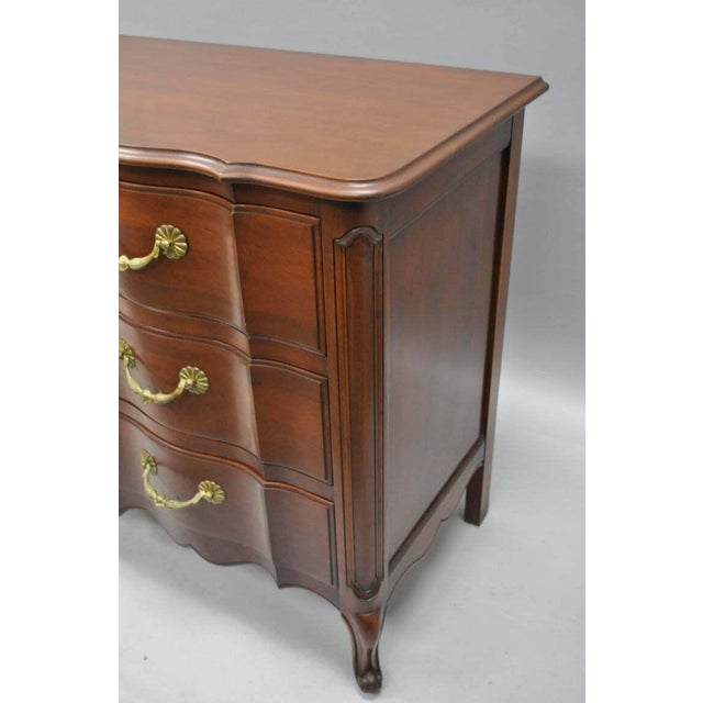 John Widdicomb French Country Provincial Louis XV Cherry Commode For Sale In Philadelphia - Image 6 of 11