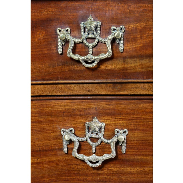 Fine George III Mahogany Serpentine Chest of Drawers For Sale - Image 4 of 11