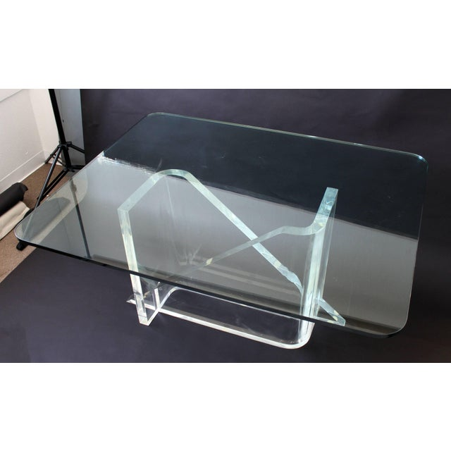 1970s Vintage Gary Gutterman Mid-Century Modern Lucite Glass Dining Table For Sale - Image 10 of 10
