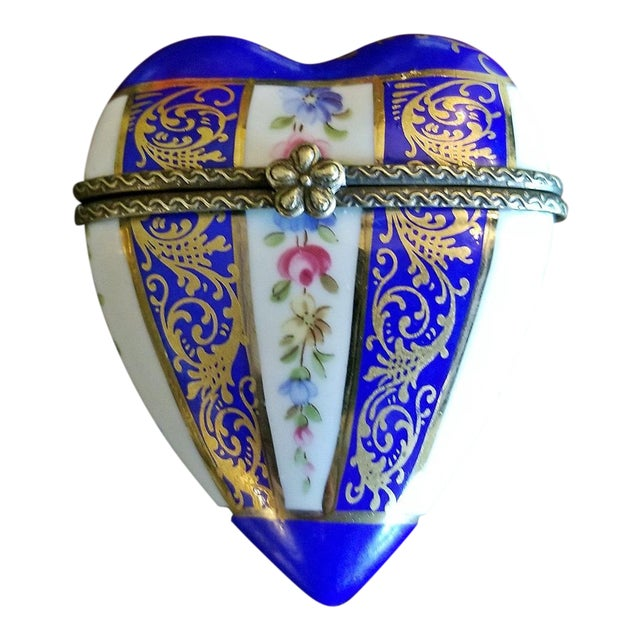 19c French Porcelain Limoges Heart Shaped Box For Sale