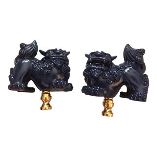 Navy Blue Lacquered Foo Dogs Lamp Finials - a Pair For Sale