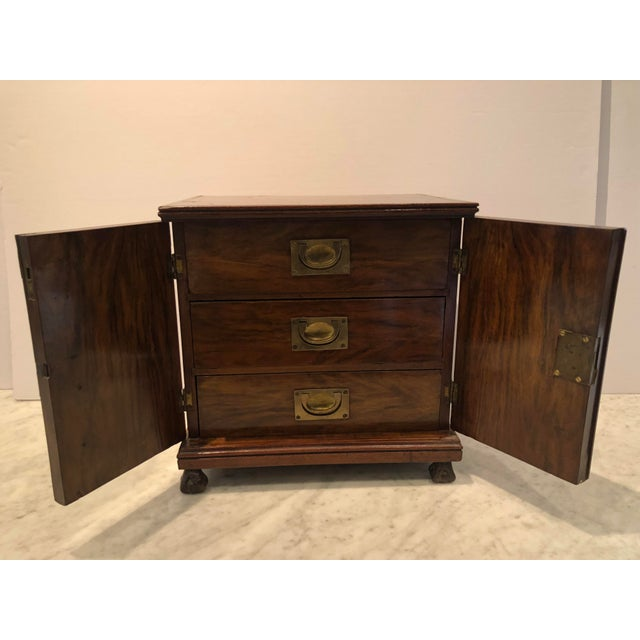 English Traditional 19th Century Mahogany Man's Jewelry Case For Sale - Image 3 of 10