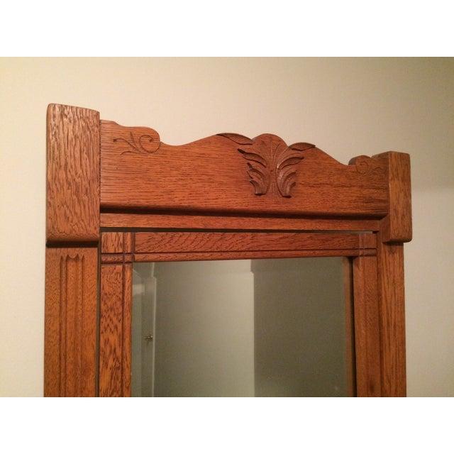 Oak Gentleman's Dresser With Hatbox and Mirror - Image 6 of 7