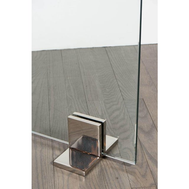 1920s Custom Modern Tempered Glass Fire Screen with Polished Nickel Strip and Feet For Sale - Image 5 of 9