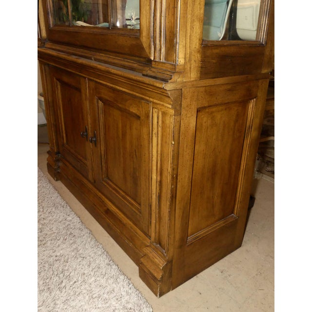 1990s Lexington Furniture Southern Living Lighted China Cabinet For Sale - Image 5 of 11